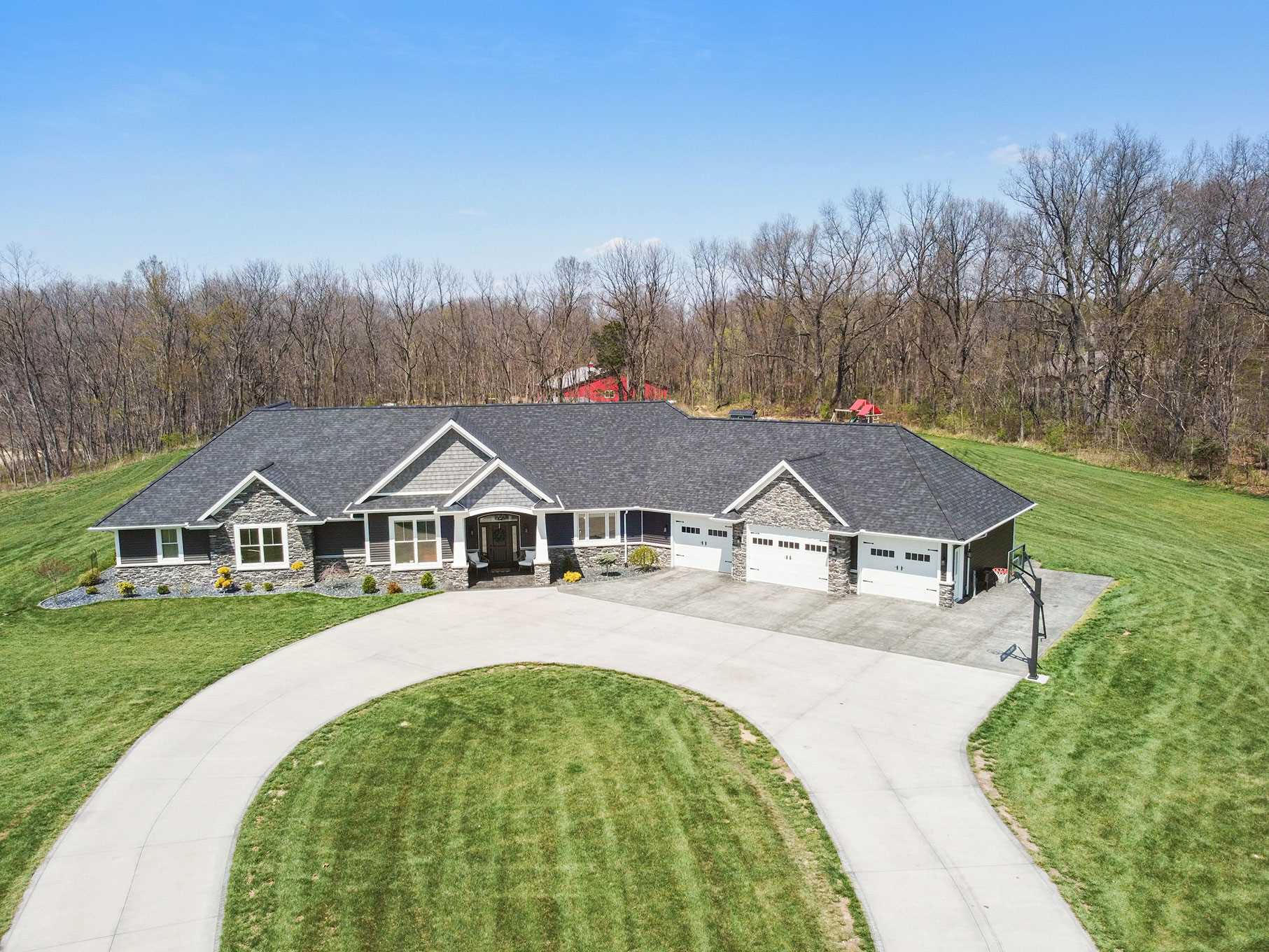 10535 County Road 4, Middlebury, IN 46540