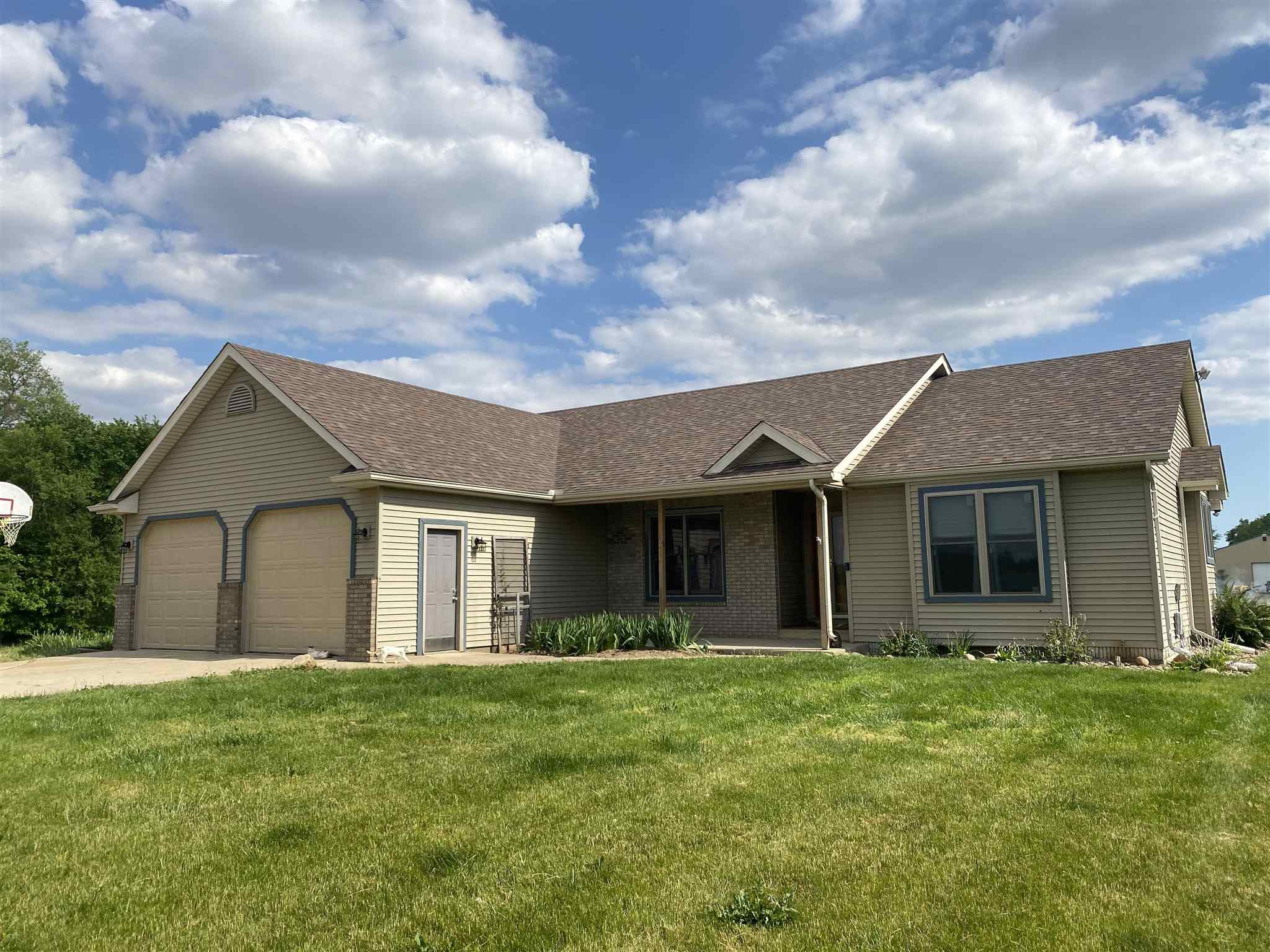 17152 County Road 146, New Paris, IN 46553