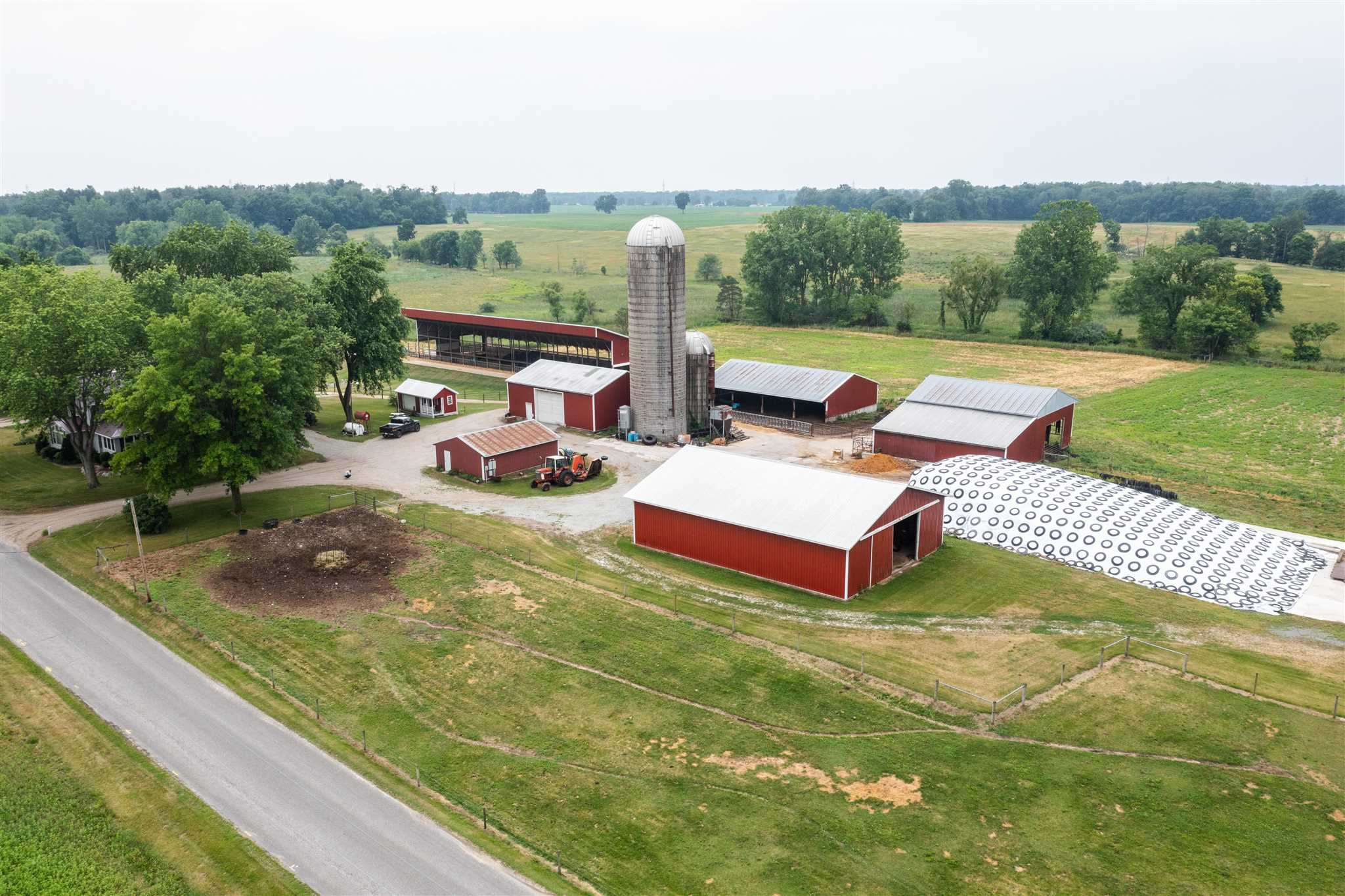 56219 County Road 33, Middlebury, IN 46540
