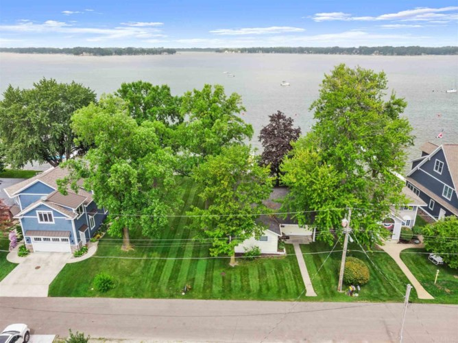 8272 E Highland View Drive, Syracuse, IN 46567