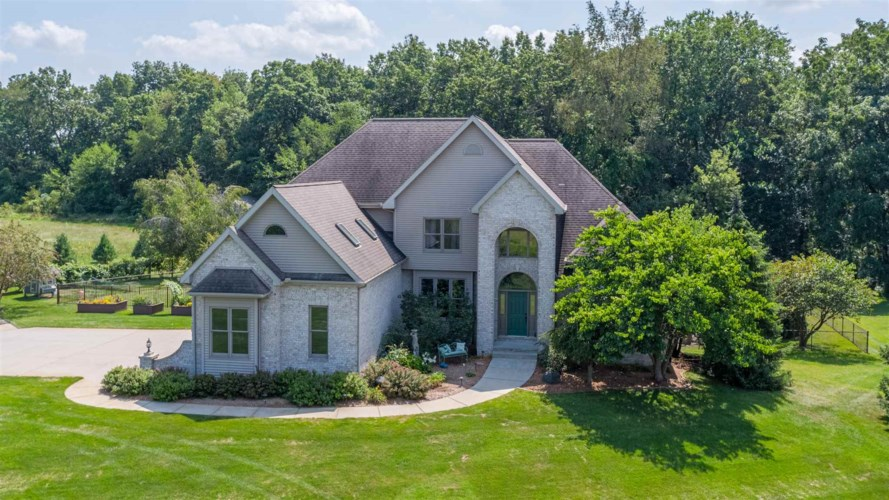 11110 County Road 14, Middlebury, IN 46540