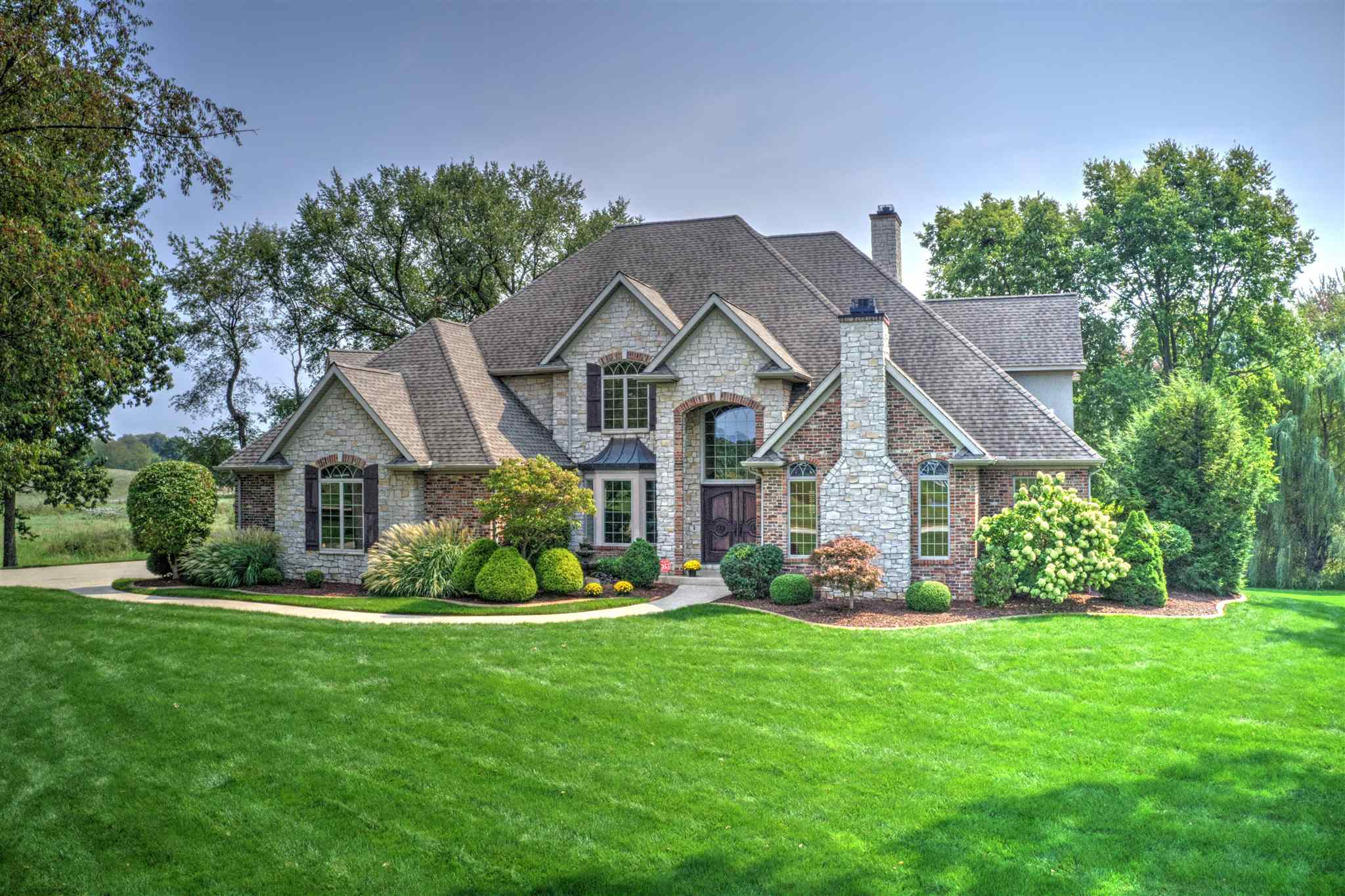 11325 Fishers Pond, Middlebury, IN 46540