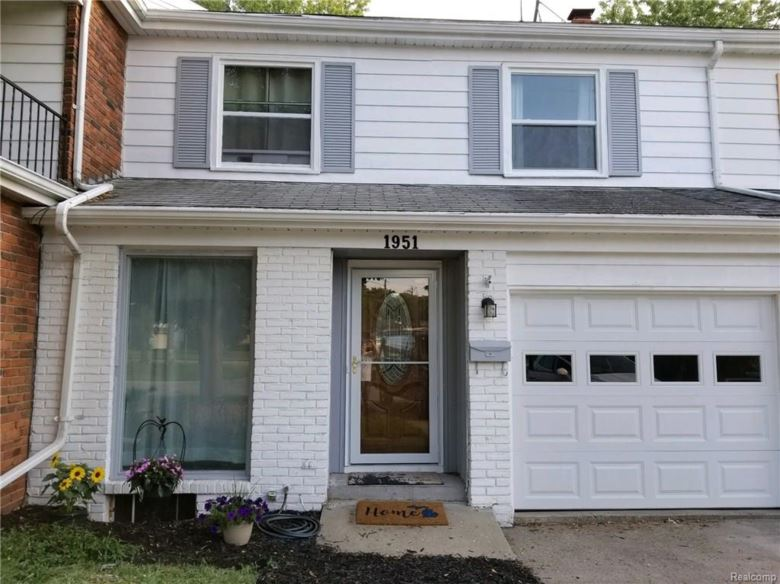 1951 Laurel Oak Drive, Flint, MI 48507
