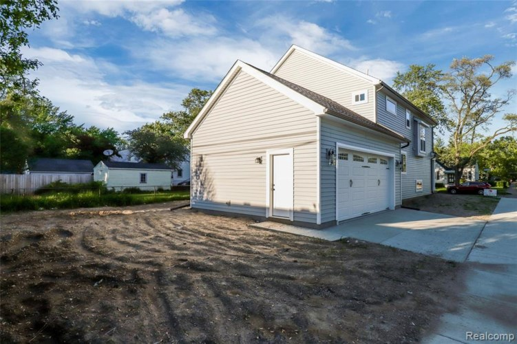 2879 Kenmore Road, Berkley, MI 48072