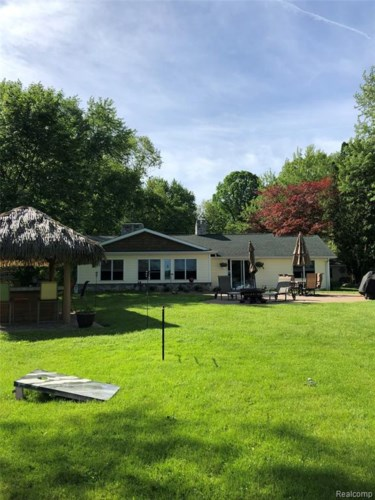 12061 READ Road, Fenton, MI 48430