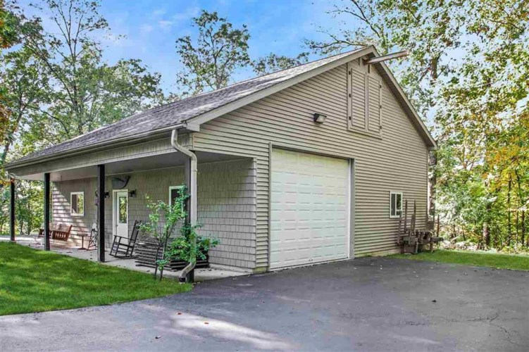 10486 LOST LAKE DR., Holly, MI 48442