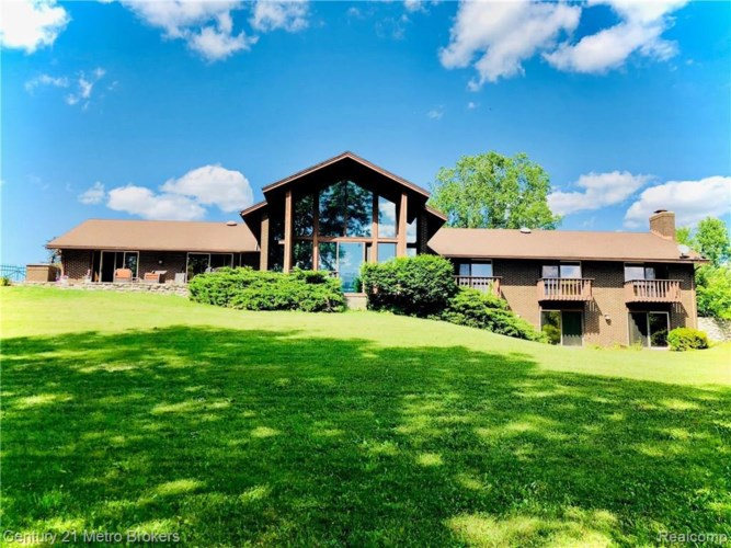 9300 LAHRING RD, Gaines, MI 48436
