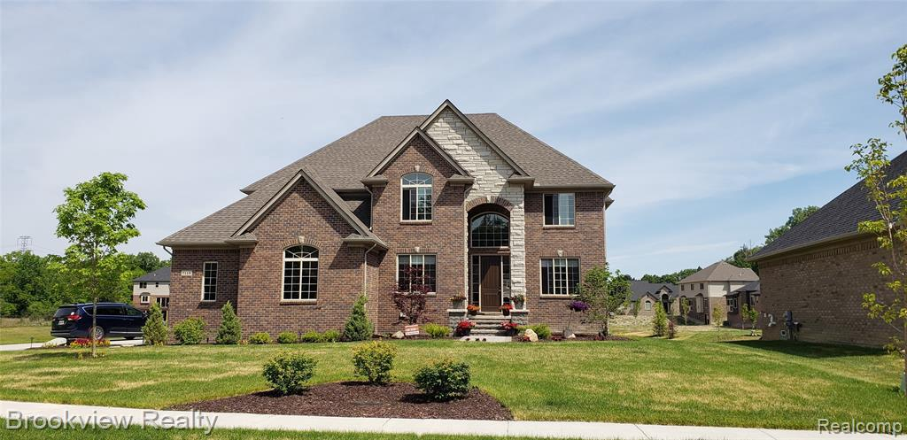 3662 LAKE FOREST DR, Sterling Heights, MI 48314