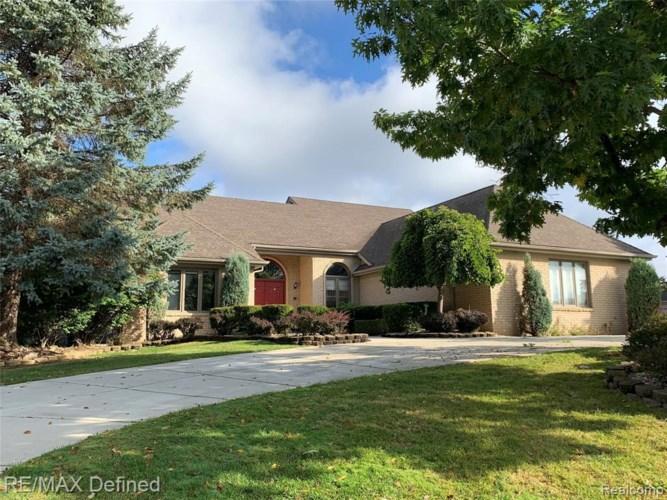 2120 CLINTON VIEW CIR, Rochester Hills, MI 48309