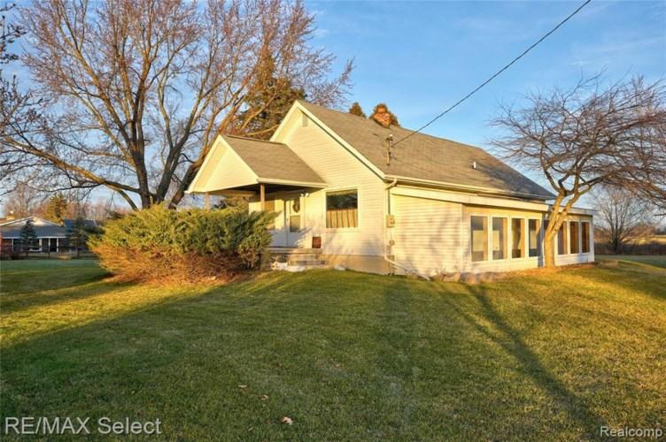 9175 VAN VLEET RD, Gaines, MI 48436