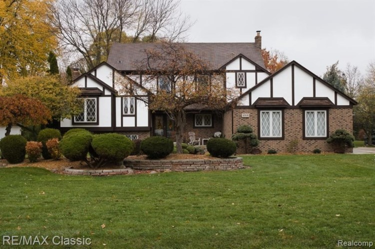 4595 NATHAN W, Sterling Heights, MI 48310