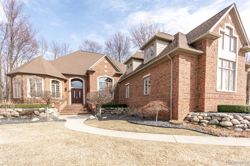 52830 TUSCANY GROVE DR, Shelby Twp, MI 48315