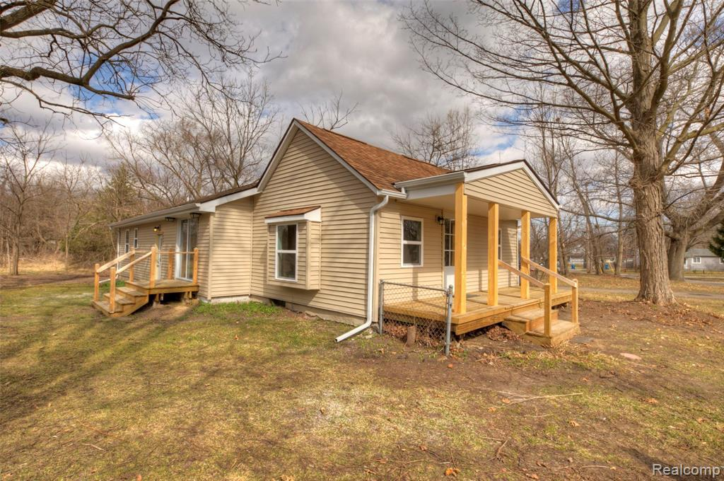 509 FRONT ST, Holly, MI 48442