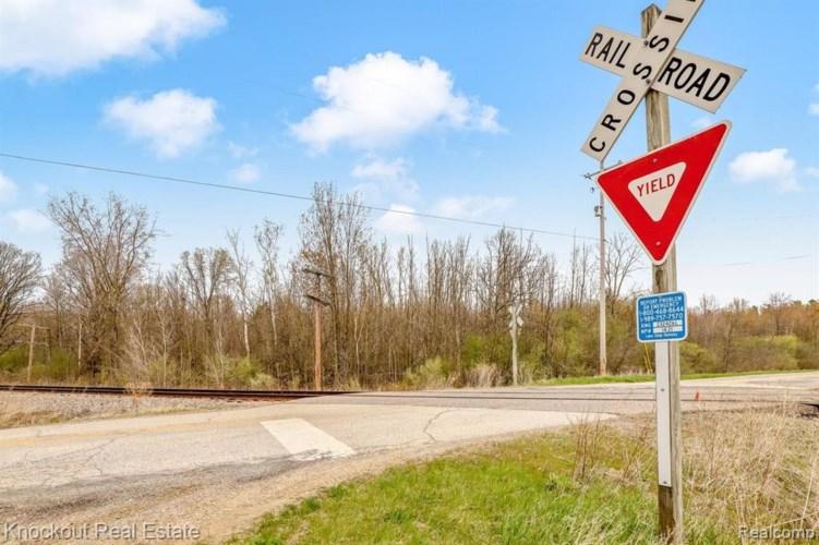 7000 CANADA RD, Birch Run, MI 48415