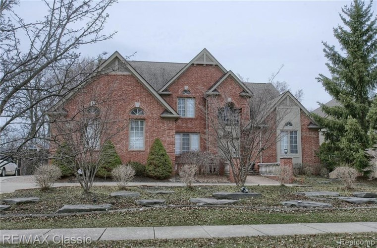 5562 HAMPSHIRE DR, West Bloomfield, MI 48322