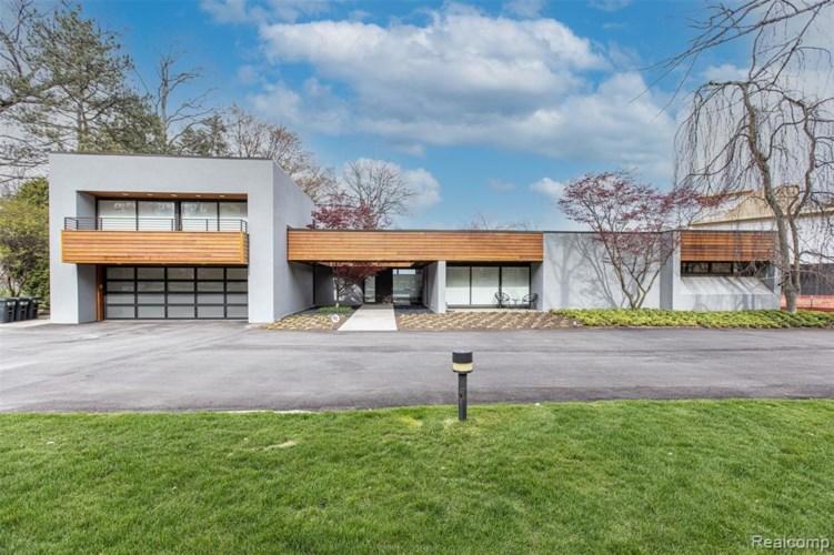 3897 LAKELAND LN, Bloomfield Hills, MI 48302