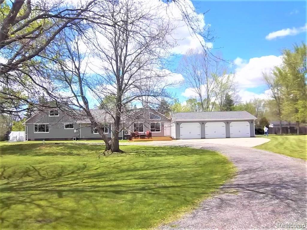 7374 LAHRING RD, Gaines, MI 48436