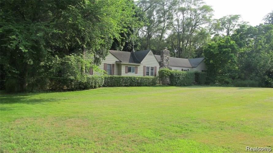 6525 WING LAKE RD, Bloomfield Hills, MI 48301