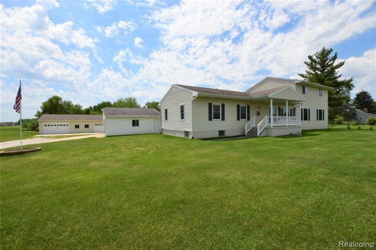 5473 HILL RD, Swartz Creek, MI 48473