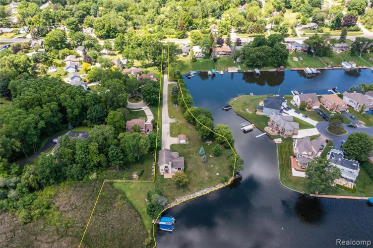 3341 OLIVERS PNT, Waterford, MI 48328