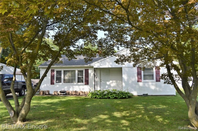 235 CRESCENT LAKE RD, Waterford, MI 48327