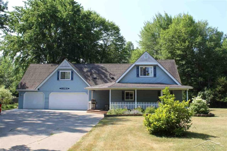 11989 Baumgartner Road, Saint Charles, MI 48655