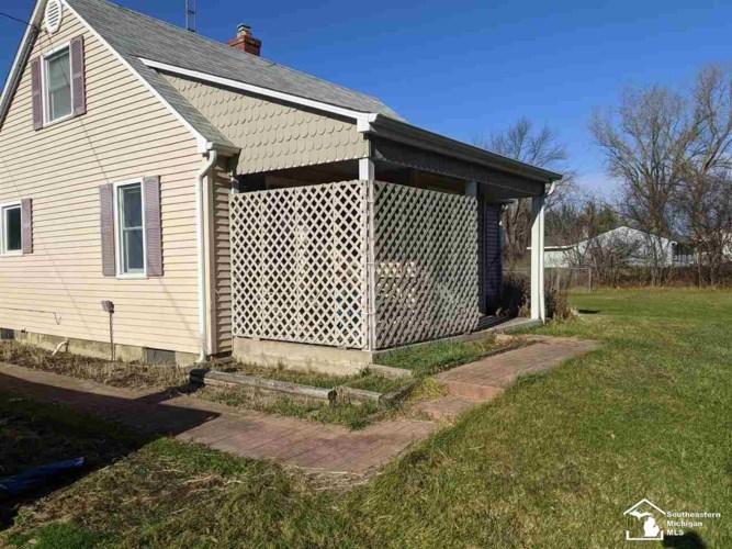 3289 N Jennings, Flint, MI 48504