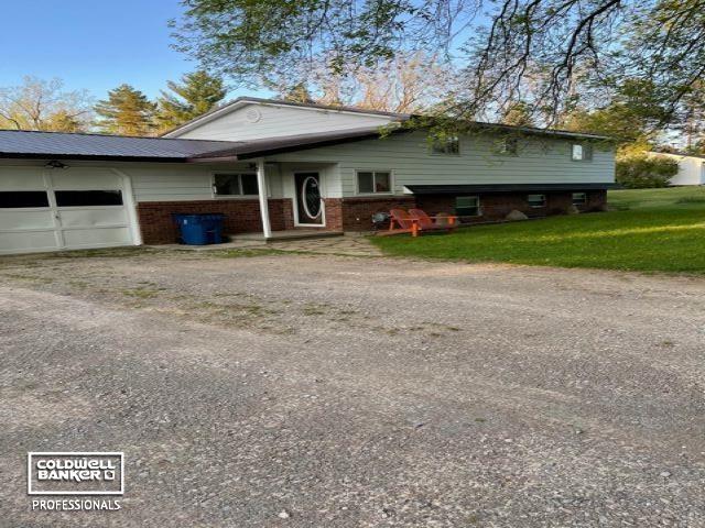 896 W Saginaw, Mayville, MI 48744