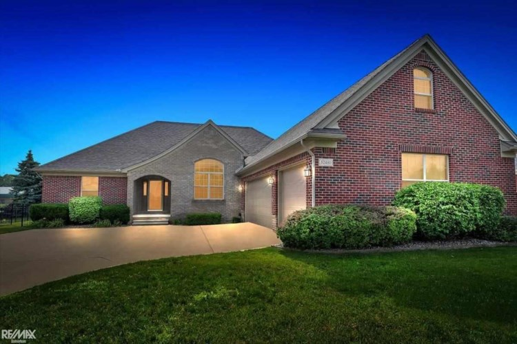 52480 Indian Summer Drive, Chesterfield, MI 48051