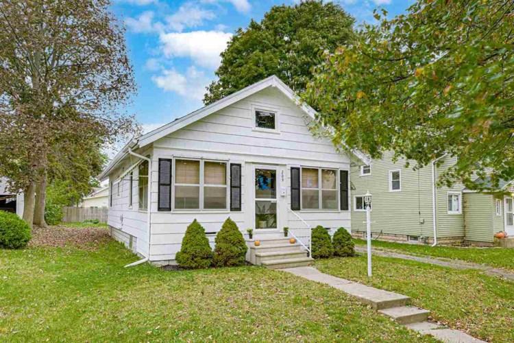 209 N Brown Street, Jackson, MI 49202