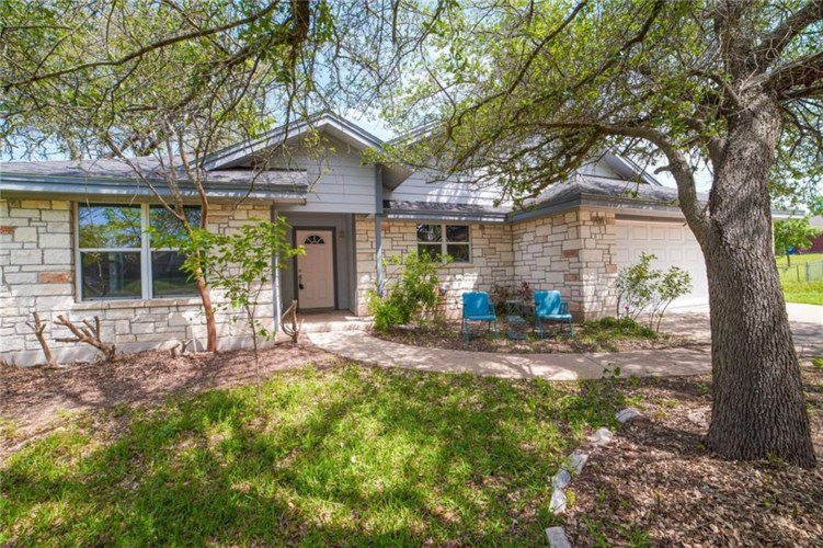 1506 Johnson ST, Burnet, TX 78611