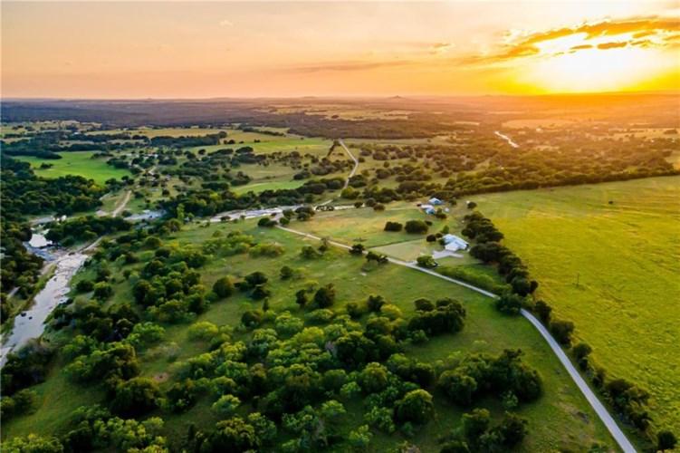 789 County Road 3480, Lampasas, TX 76550