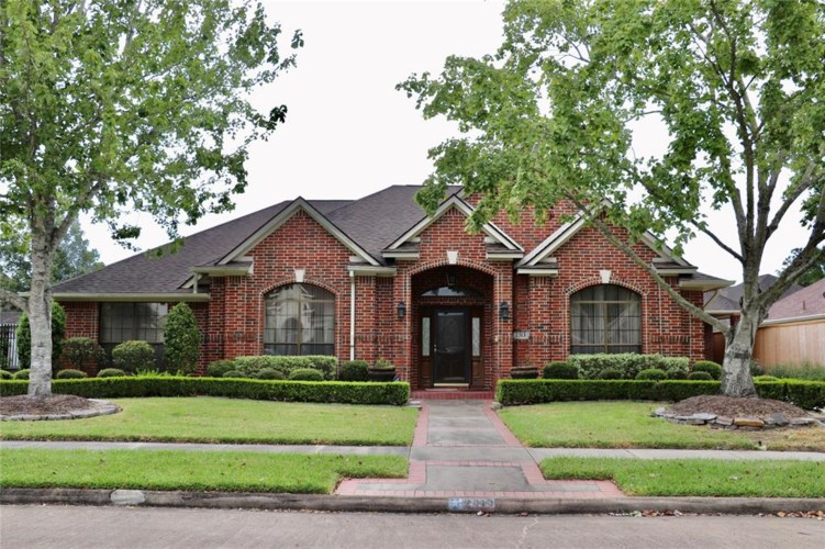 2313 Augusta Drive, Pearland, TX 77581