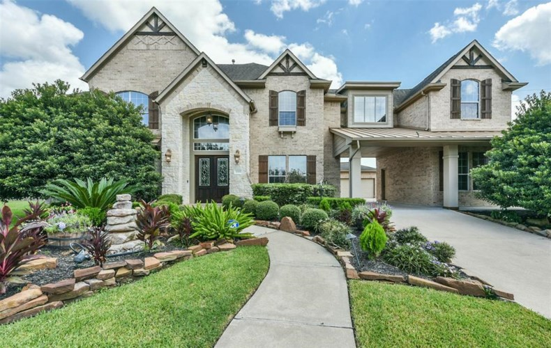 11901 Southern Trails Court, Pearland, TX 77584