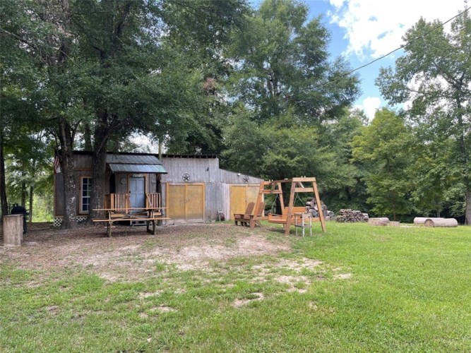 402 County Road 2390, Chester, TX 75936