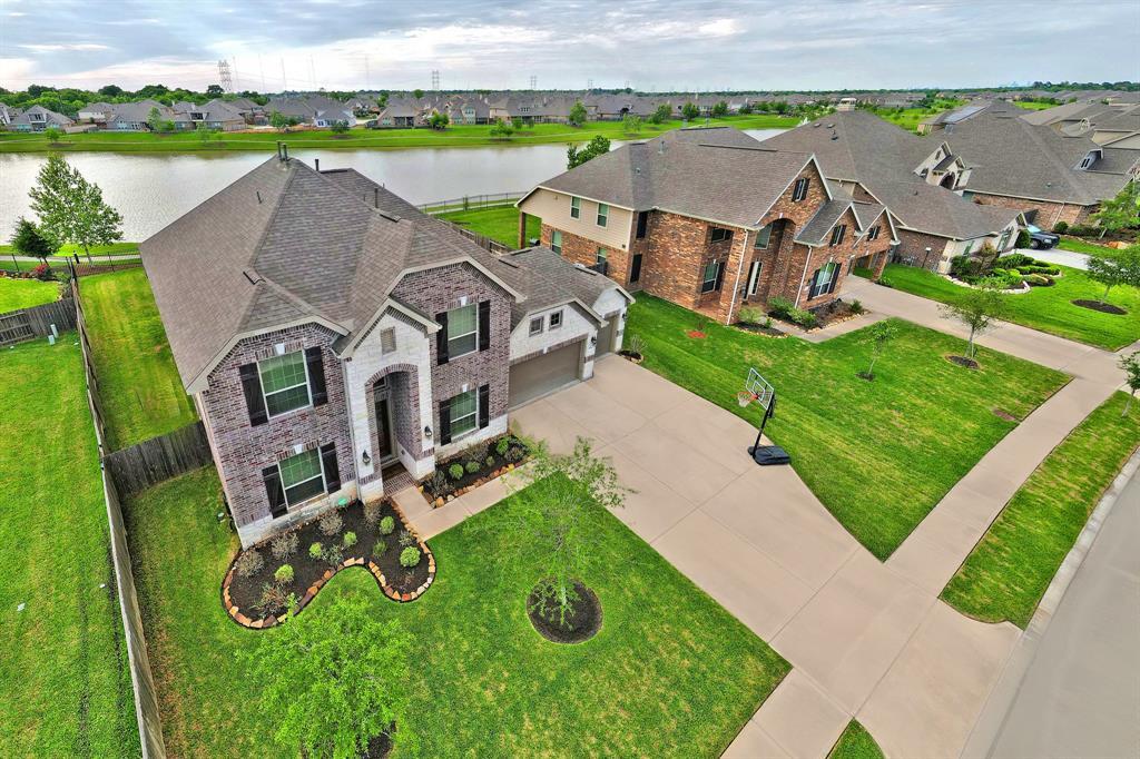 4914 Enchanted Springs Drive, Rosharon, TX 77583