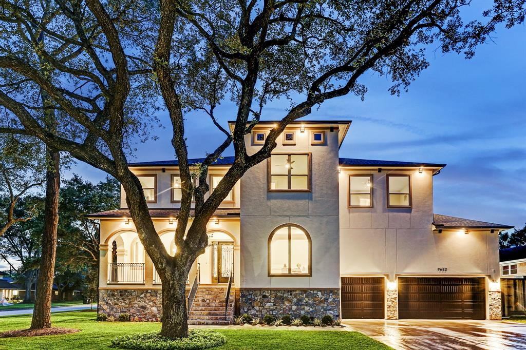 9622 Cedarhurst Drive, Houston, TX 77096