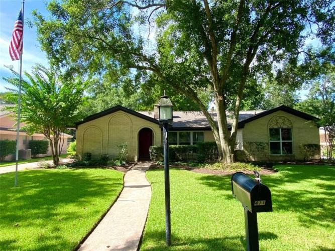 4111 Rolling Green Drive, Taylor Lake Village, TX 77586