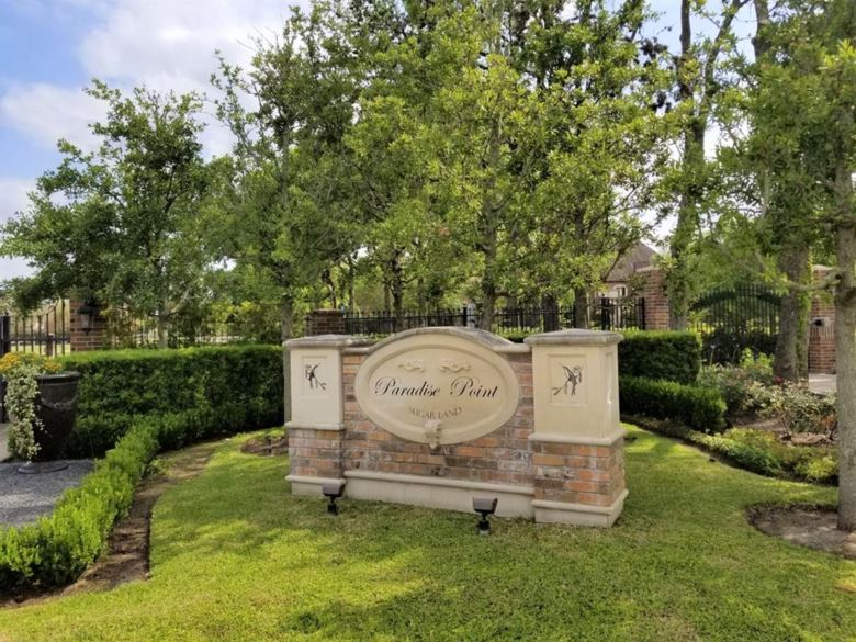 1 Paradise Point Drive, Sugar Land, TX 77478