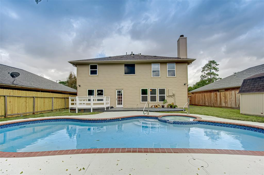 16031 Willowpark Drive, Tomball, TX 77377