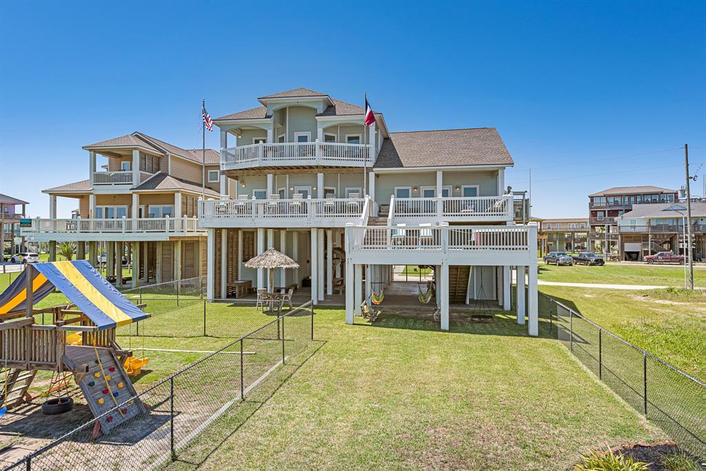 2902 Cedar Lane, Crystal Beach, TX 77650