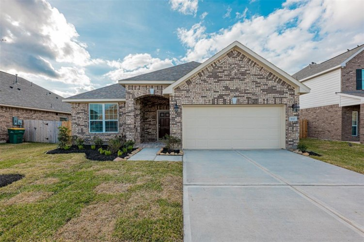 3605 Gracie Circle, Pearland, TX 77584