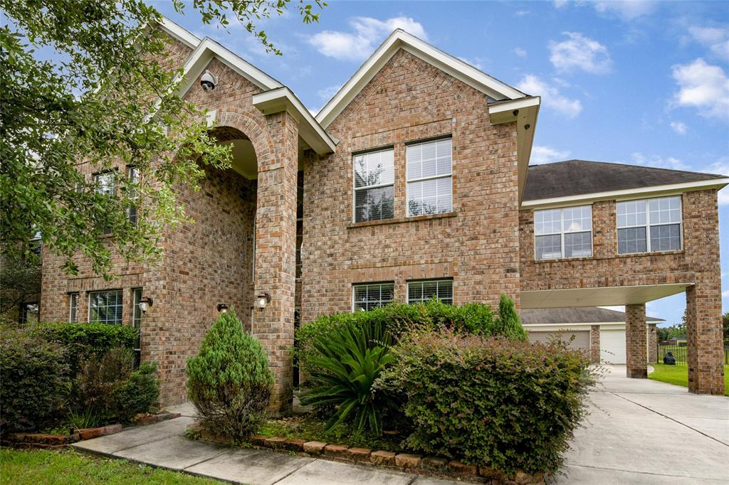 N 11303 Country Club Green Drive, Tomball, TX 77375