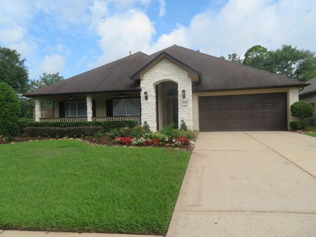 1490 Garden Lakes Drive, Friendswood, TX 77546