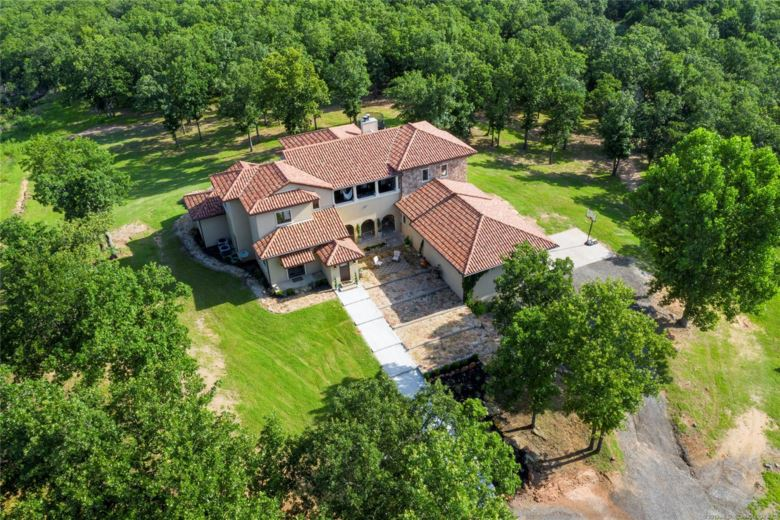876 Barker Creek Drive, Sand Springs, OK 74063