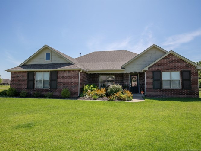 13064 N 124th East Avenue, Collinsville, OK 74021