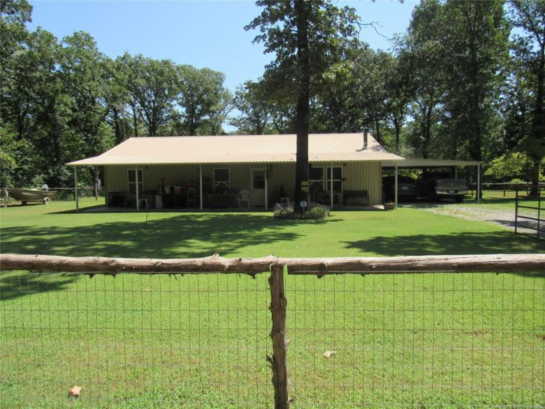 111 Hickory Place, Cartwright, OK 74731