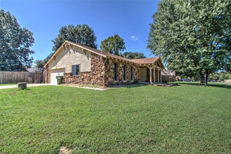 12718 E 133rd Place, Broken Arrow, OK 74012