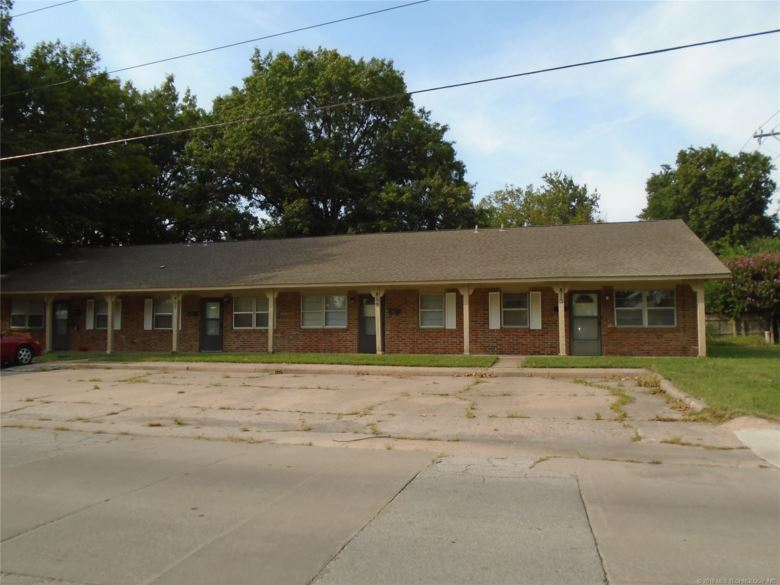 232 S Indianola Street, Pryor, OK 74361