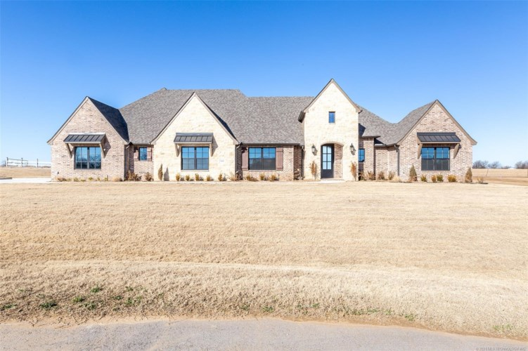 9402 N 61st East Place, Sperry, OK 74073